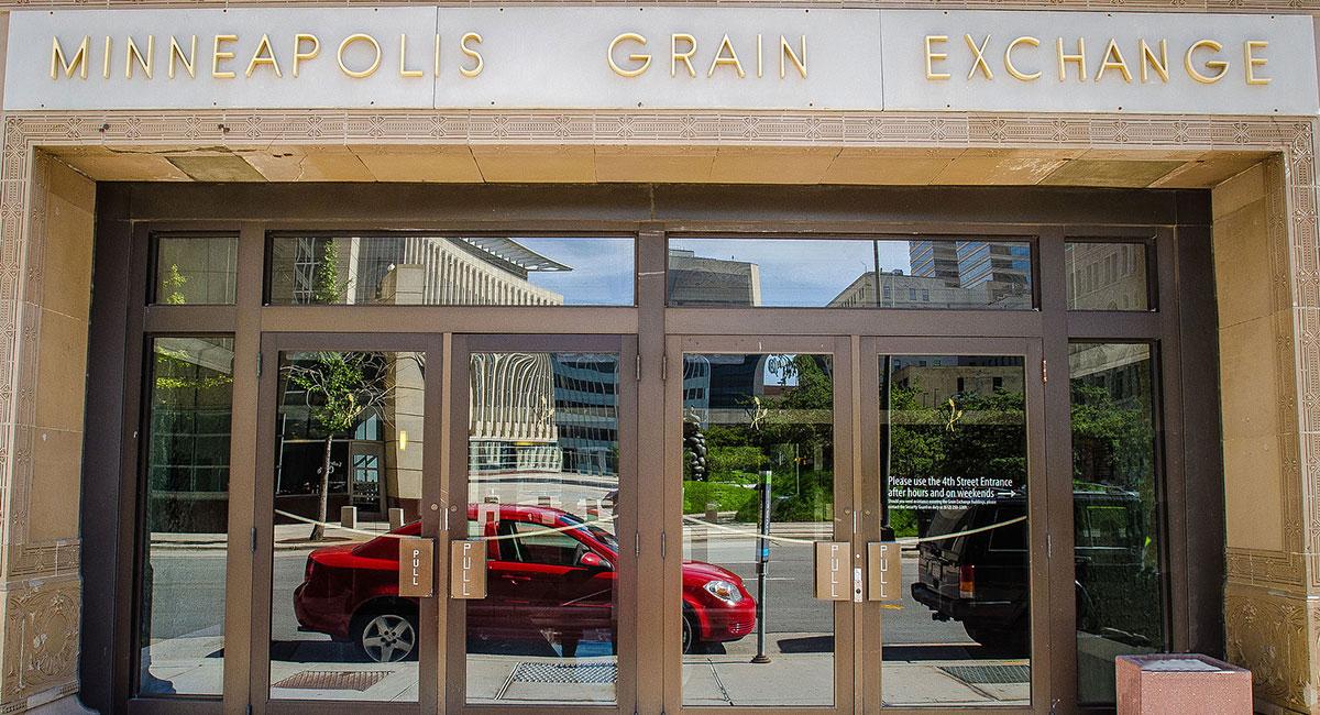 Visit Grain Exchange Barbershop